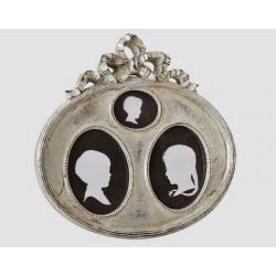 Cadre ovale argent pour 3 vues avec noeud
