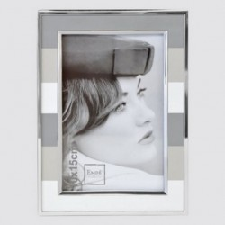 Gray band photo frame