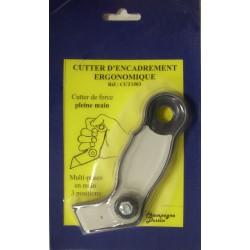 Cutter d'encadrement ergonomique avec decoupe de filets