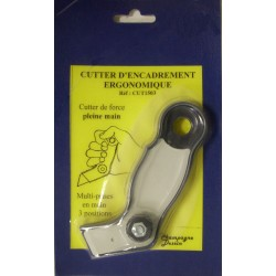 Ergonomic framing cutter with cutting of fillets