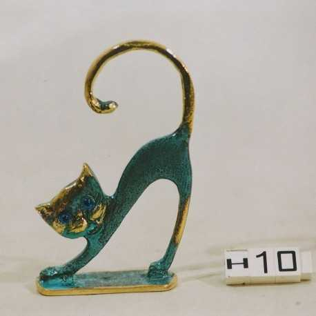 cat statuette