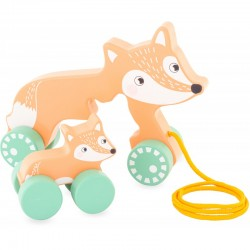 The mother fox to drag, cart for child
